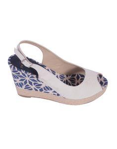 """Zapato cuña http://www.nizaonline.com/es/primavera-verano-2013/mujer/calzado/#{""""product"""":""""371""""}"""