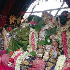 #Tiruvarur: Devotees at Vennathazhi festival in #Mannargudi #Rajagoplaswamy temple. Image: by Air News http://ift.tt/2os2jNM