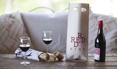 Innovation of year 2014 - reusable gift bag: Use as a giftbag; use as a discloth and wash it in washing machine. After several weeks it is just biowaste. Wine Gifts, Gift Bags, Red Wine, Alcoholic Drinks, Best Gifts, Joy, Canning, Helsinki, Bottle