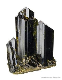 Epidote - Knappenwand, Knappenwand area, Untersulzbach valley, Salzburg, Austria Size: x x cm Minerals And Gemstones, Crystals Minerals, Rocks And Minerals, Large Crystals, Stones And Crystals, Quartz Crystal, Crystal Healing, Crystal Castle, Chemical Formula