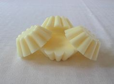 Birthday Cake Scented Soy Wax Tarts 100 by FroggyBottomCrafters, $3.00