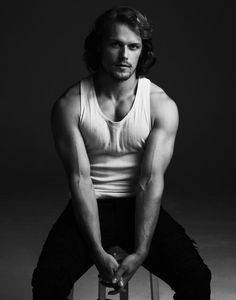 Sam Heughan Interview Elle Magazine (Spring GREAT SCOT Outlander is one of the sexiest shows on TV, thanks in no small part to the blue-eyed, redheaded, oft-shirtless Sam Heughan. Sam Heughan Outlander, Outlander Series, Gabaldon Outlander, Sam Heughan News, Sam Heughan Actor, Starz Outlander, Jamie Fraser, Sam Hueghan, Sam And Cait