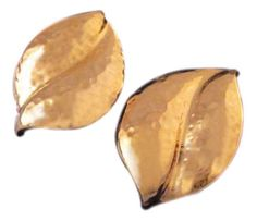 Fall into Givenchy all year round with these exquisite gold leaf earrings.