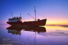 Old Boat by Lyokin