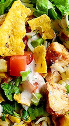 I love taco salads of any kind. I make one similar to this one, but I do drippy, rich taco meat and add a bunch of beans. I went the chicken route yesterday because I had some boneless, skinless br… Salad Bar, Soup And Salad, Pasta Salad, Crab Salad, Savory Salads, Taco Salads, Spinach Salads, Spinach Recipes, Salad Dressing Recipes