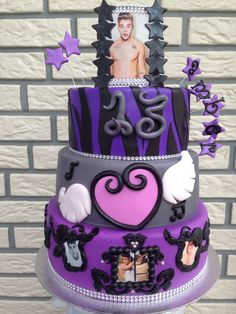 Justin Bieber Cake - I WANT THIS FOR MY 15TH BIRTHDAY!! OMG SOOOO AWESOME!