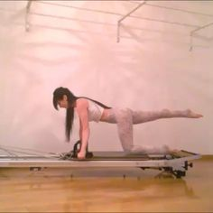 Quadruped (TAP FOR SOUND)    I find this quite challenging! If you have not already, you must try. I used  spring. Have fun!    #pilates #pilatesreformer #stability #balance #coordination #corestrength #corecontrol #abs #triceps #shoulders #core #workout #pilatesinstructor #fitness #fitspo #fitfam #instafit