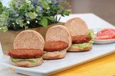 The family-friendly vegetarian 'better burger' - Cityline Whole Food Recipes, Great Recipes, Vegan Recipes, Vegan Ideas, Vegan Burgers, Salmon Burgers, Vegetarian Entrees, Vegan Vegetarian, Plant Based Burgers