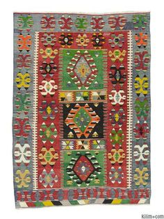 Vintage Esme kilim rug around 40 years old and in very good condition. Esme is a weaving village in Usak.