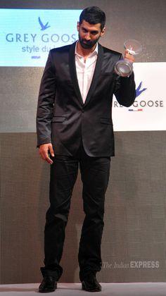 Bollywood Actors, Bollywood Celebrities, Roy Kapoor, Grey Goose, Life Partners, Hrithik Roshan, Dapper, Suit Jacket, Handsome