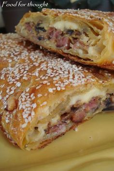 sausage and mushroom pie Sweets Recipes, Snack Recipes, Cooking Recipes, Think Food, Food For Thought, Cyprus Food, Greek Pastries, Greek Appetizers, The Kitchen Food Network