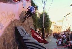 Urban MTB in the Streets of Chile - Red Bull Valparaíso Cerro Abajo 2013 (VIDEO)