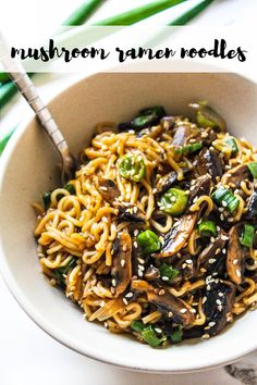 The quickest Mushroom Ramen (or Maggi) Noodles recipe that is so delicious, perfectly tossed in a simple Asian style sauce and so many mushrooms. Vegetarian Ramen, Vegetarian Recipes Easy, Veggie Recipes, Dinner Recipes, Cooking Recipes, Healthy Recipes, Healthy Ramen, Vegan Meals, Healthy Dinners