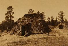 An early Navajo hogan is a small building made of wood and clay. Long ago, Dine or Navajo people lived in hogans and used them for sweat baths. Native American Tribes, Native Americans, Navajo People, Northwestern University, American Frontier, Native Indian, Woodland Creatures, Before Us, Old West