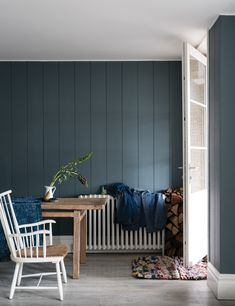 British paint manufacturer Farrow & Ball has expanded its extensive color card with nine new shades. Carefully chosen to balance Farrow & Ball'. Office Paint Colors, Popular Paint Colors, Paint Color Palettes, Kitchen Paint Colors, Paint Colors For Home, House Colors, Paint Colours, Farrow Ball, Farrow And Ball Paint