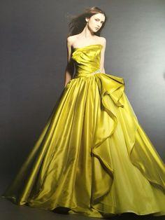 【新作color dress】 ドラマティックで鮮烈なインパクトを放つイエローグリーンのカラードレス♡  http://salon-de-couture.co.jp