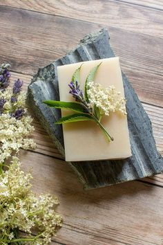 This natural soap recipe features elderflowers, an old-fashioned home remedy for softer skin, along with lavender essential oil for a relaxing scent. Soap Making Recipes, Homemade Soap Recipes, Soap Maker, Lavender Soap, Elderflower, Soap Packaging, Partys, Lotion Bars, Cold Process Soap