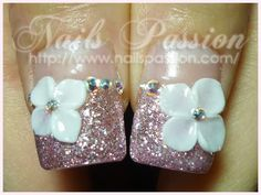 This nail style is perfect for a wedding or anniversary celebration! Try this out on our fashion-length custom-fit nails! http://www.customnailsolutions.com/