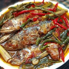 Fish Recipes, Seafood Recipes, Cooking Recipes, Indonesian Cuisine, Indonesian Recipes, Malay Food, Curry Dishes, Dumpling, Japchae