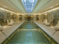 EXCLUSIF- EMBARGO 1ER JUILLET - Réouverture de l'Hôtel de Crillon Indoor Swimming Pools, Swimming Pool Designs, Palace, Mansions, House Styles, Outdoor Decor, Home Decor, Photo Galleries, Travel