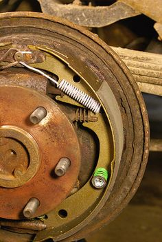 Rear drum brake assembly, 1996 GMC Yukon, Tahoe, Suburban, Silverado, Sierra trucks | cool