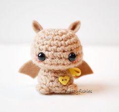 Baby Brown Bat  Kawaii Mini Amigurumi Plush por twistyfishies