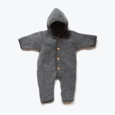 Soft and gorgeous little fleece snuggle suits for the smallest babies and the moving toddler. Extra thick and luxurious fleece. Lovely great grey colours exclus