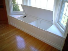 Window storage with integrated outlet inside - perfect!