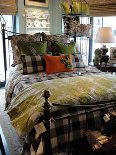 Love this for a guest bedroom! Looks so cozy! Pretty Bedroom, Cozy Bedroom, Dream Bedroom, Home Decor Bedroom, Master Bedroom, Shabby Bedroom, Shabby Cottage, Shabby Chic, Plaid Bedding