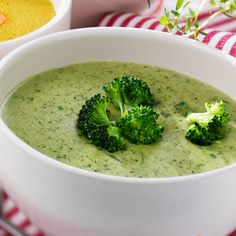 Loaded Broccoli and Cheese Soup Raw Vegan Recipes, Veggie Recipes, Soup Recipes, Vegetarian Recipes, Cooking Recipes, Healthy Recipes, Recipies, Soup Kitchen, Food Hacks