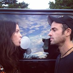 Is Justin Theroux cheating with Liv Tyler? That's reportedly what Jennifer Aniston suspects. Steven Tyler, Liv Tyler, Bebe Buell, Twenty One Pilots Wallpaper, Empire Records, Goodbye For Now, Justin Theroux, Celebration Quotes, People