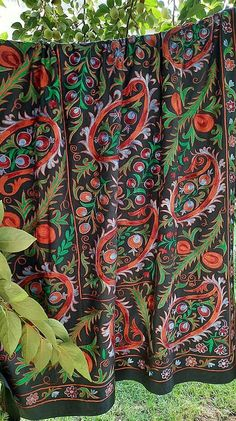 Fabric Strips, Silk Fabric, Hand Embroidery, American Houses, Contemporary Embroidery, Central Asia, Table Covers, Cotton Silk, Bed Spreads