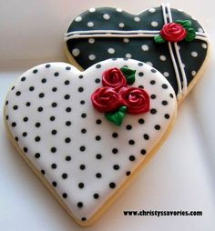 Find best ideas / inspiration for Valentine's day cookies. Get the best Heart shaped Sugar cookies for Valentine's day & royal icing decorating ideas here. Cookies Cupcake, Galletas Cookies, Fancy Cookies, Iced Cookies, Cute Cookies, Royal Icing Cookies, Cookies Et Biscuits, Sugar Cookies, Cookie Icing