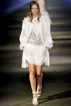 Prabal Gurung Spring 2013 Ready-to-Wear Fashion Show - Sara Blomqvist