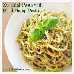 http://www.julieslifestyle.com/zucchini-pasta-basil-hemp-pesto-discover-use-spiralizer/ It's pasta time! Who doesn't love spaghetti? On the menu: Zucchini Pasta with Basil Hemp Pesto. It's completely gluten free, low in calories but super high in flavor + I'll show you how to use a spiralizer! #RawFood #RawVegan #Vegan #Spiralizer #ZucchiniPasta #GlutenFree #GlutenFreePasta #Pesto #RawVeganPesto