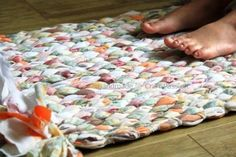 How to weave no sew custom floor rug step by step DIY tutorial instructions / How To Instructions
