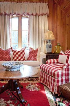 New living room white red cottage style Ideas Red Cottage, Cottage Living, My Living Room, Cottage Style, Living Room Decor, Farmhouse Style, Decor Room, Living Area, Cozy Cottage