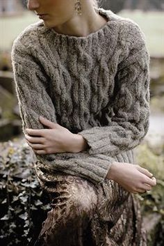Free and Sweet and Cool Crochet Sweater Pattern Ideas Part 19 ; knitting sweaters for women; knitting sweaters for beginners Rowan Knitting, Cable Knitting, Sweater Knitting Patterns, Cable Knit Sweaters, Free Knitting, Ravelry, Crochet Saco, Free Crochet, Handgestrickte Pullover
