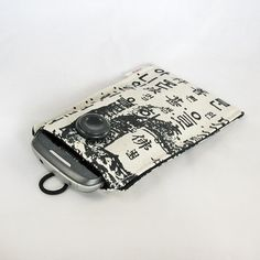 Cell phone case - iPod case - iPhone case - Korean writing