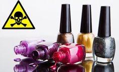 Evita los ingredientes tóxicos en los esmalte de uña. La mayoría contienen formaldehído, ftalatos y tolueno. Sustancias relacionadas con el cáncer y otras enfermedades.