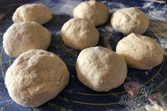 Měkoučké langoše BEZ kynutí, na které nemusíte čekat | NejRecept.cz Hamburger, Pizza, Bread, Brot, Baking, Burgers, Breads, Buns