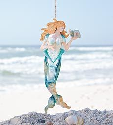 recycled-bottle-mermaid....thinking a couple of friends would love her!!!