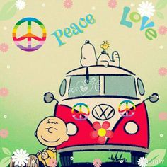 Looks like Charlie Brown and Snoopy at Woodstock. Hippie Peace, Happy Hippie, Hippie Love, Hippie Chick, Hippie Art, Snoopy Images, Snoopy Pictures, Snoopy Und Woodstock, Snoopy Love