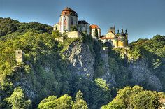 Castle Vranov, Czech Republic (by jan dudas) - Castle Vranov, Czech Republic (by jan dudas) Beautiful Buildings, Beautiful Places, Wonderful Places, Prague Spring, Budapest, Prague Czech Republic, Central Europe, Vacation Trips, Dream Vacations