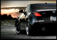 Nissan 350Z, yes I've always been opposed to two door but but.. It's pretty .-. <3