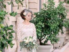 """Silver glittering Gothic birdcage bandeau veil 9/"""" with Pearl flower feather clip"""