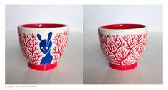 glazed porcelain cup H.6,5cm D. 7 cm