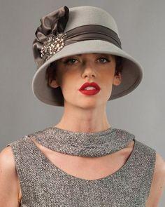 Que look vintage Mode Orange, Fascinator Hats, Fascinators, Headpieces, Moda Lolita, Look Vintage, Vintage Hats, Stylish Hats, Green Hats