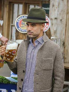 Pep Guardiola | Cervezeando ! Prost at Munich Beerfestival, Oktoberfest München, FC Bayern München
