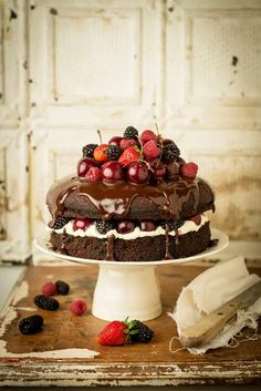 .I put this in beauty rather than bites because honestly it is too beautiful to eat. I want to stare at it all day. When night falls, then I will devour this gorgeous cake.